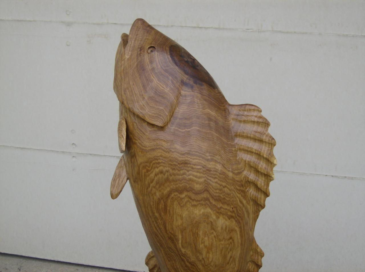 Jay ray s chainsaw carving fish